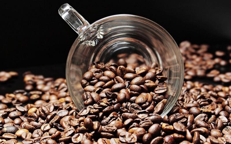 Kvalitná zrnková káva, ktorá pozitívne ovplyvní váš deň