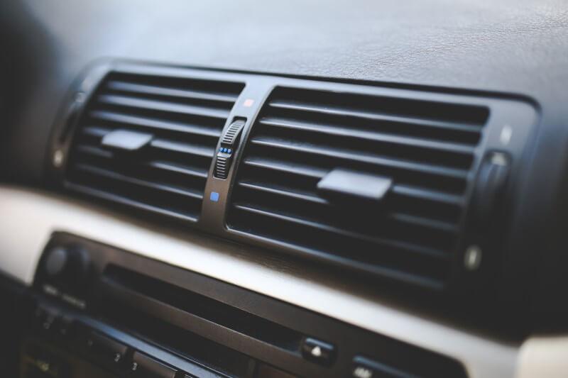 Prečo v aute čistiť klimatizáciu?