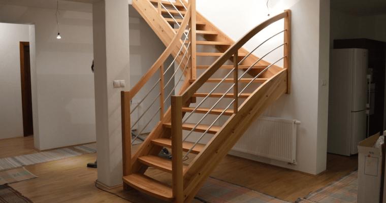 Dajte si vyrobiť kvalitné schody na mieru