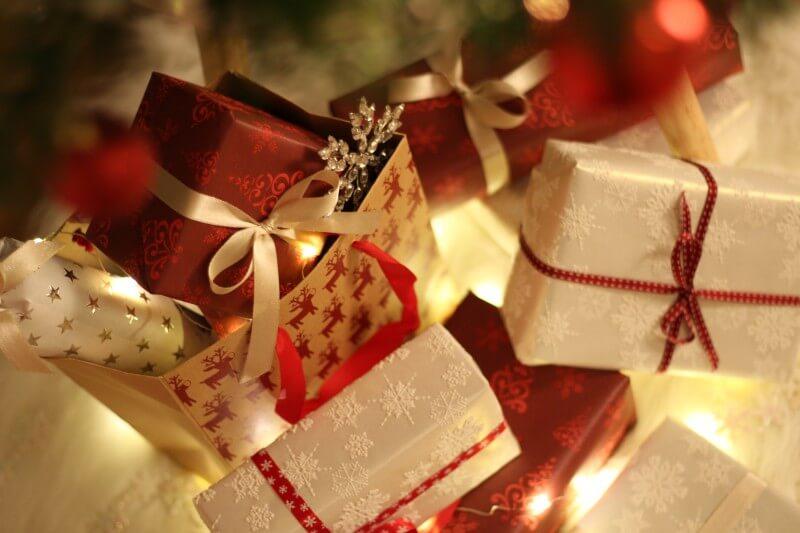 5 tipov, ako ušetriť pri nákupe vianočných darčekov