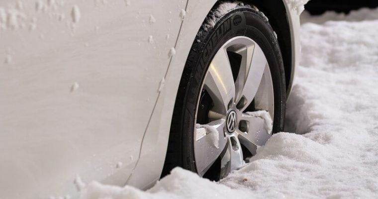 Zimné pneumatiky vám môžu zachrániť život!