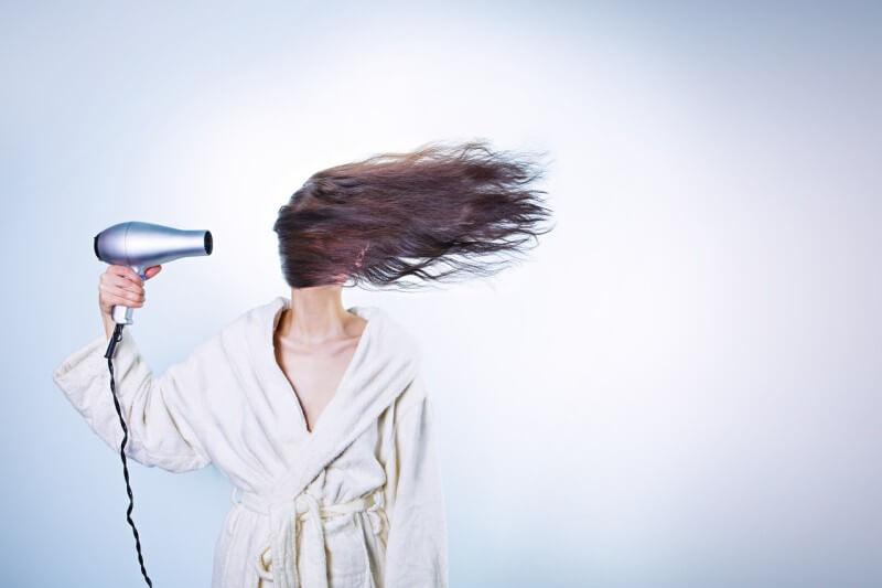 10 lekcií správneho umývania vlasov: Určite ste to doteraz robili zle!