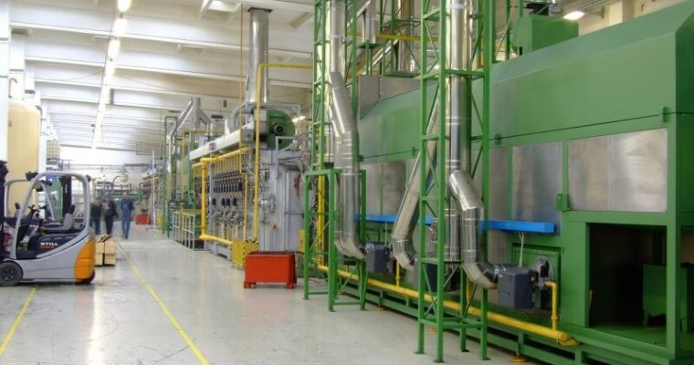 Pracovné pomôcky, ktoré potrebujú manuálne pracujúci ľudia vo výrobných halách
