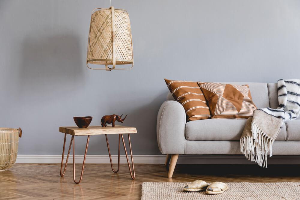 Ktoré bytové doplnky a dekorácie sú neodmysliteľnou súčasťou obývačky?
